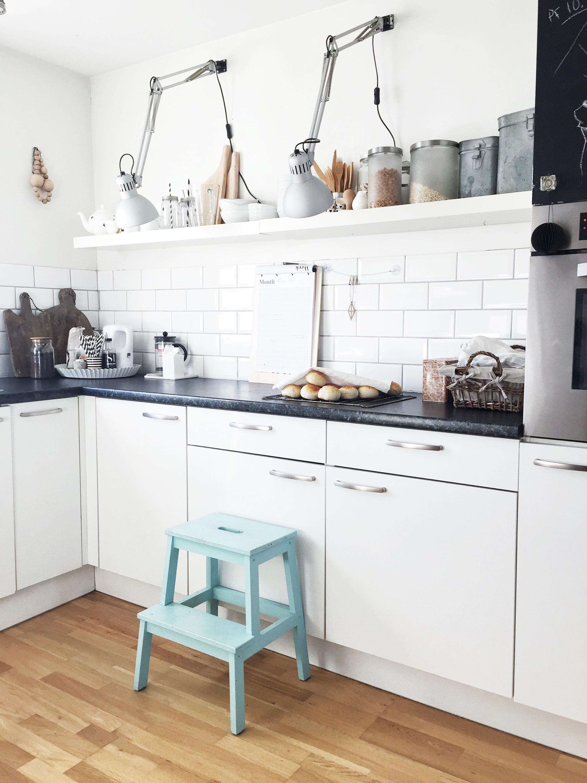 Flott Svart, matt vegg på kjøkkenet – Silje Husebø MR-55