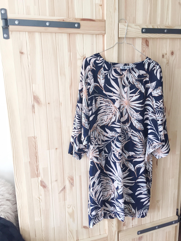 aae4507f Samtidig fant jeg en annen kjole på salg.